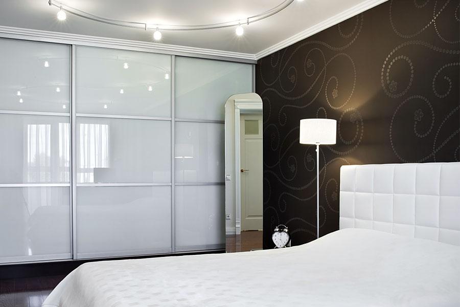 Aluminium Sliding Wardrobe Doors Contemporary Glass Or