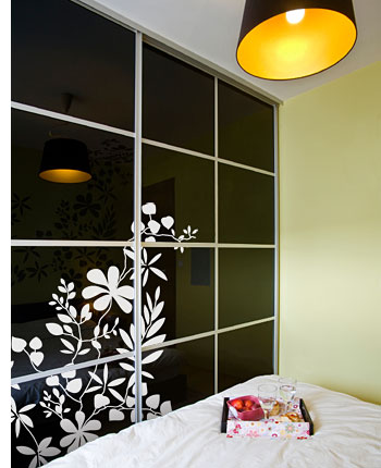 How to decorate wardrobe doors with paint wallpaper or fabric for Back painted glass designs for wardrobe
