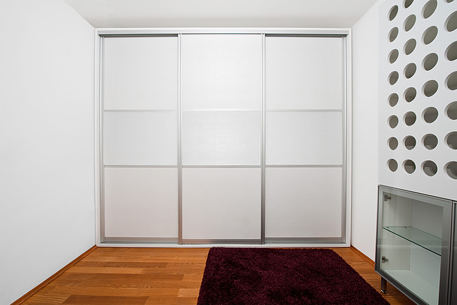 Sliding wardrobe doors within a frame & Sliding Wardrobe Door Frames - Advice for Beautiful Framed Wardrobes