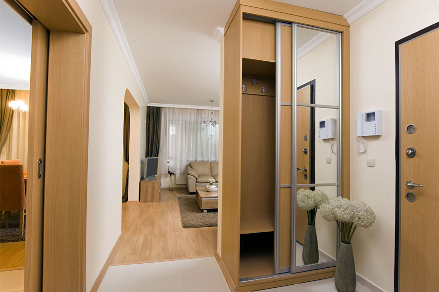 Narrow sliding doors
